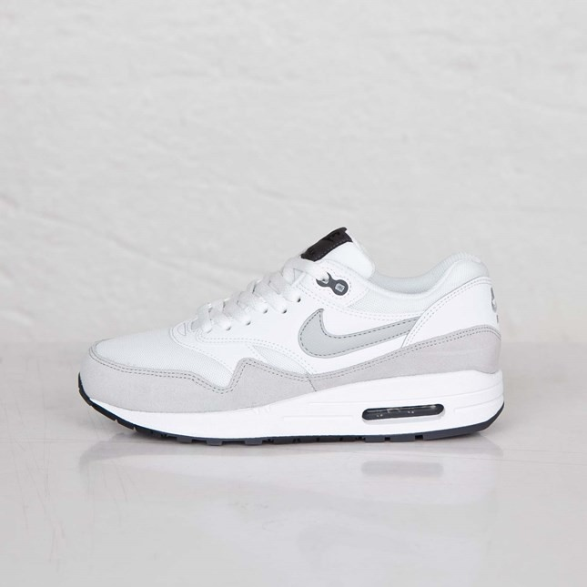Baskets Running Air Max 1 Essential Blanche Femme Gris Gris