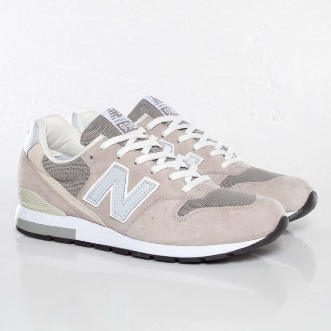 Homme New Balance 996 Trainers Gris MRL996AG