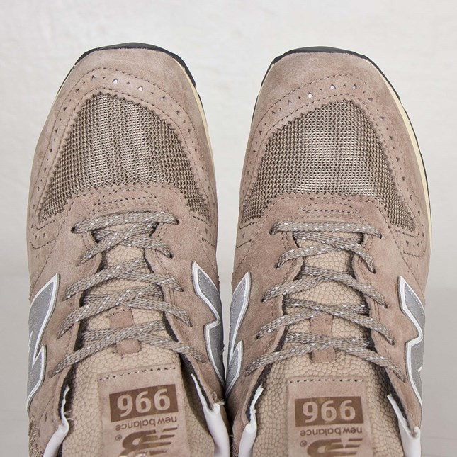 pretty nice e587c 3cfdc new balance 996 x invincible