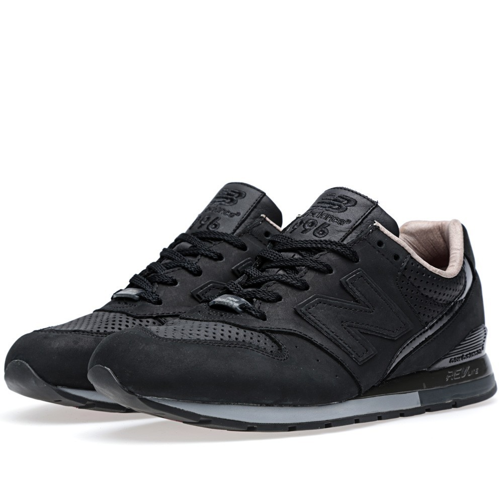 Femme New Balance 996 x Tomorrowland Chaussures Noir MRL996RT