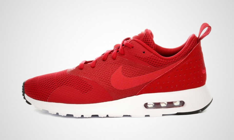 Homme Nike Air Max Tavas SE Trainers Noir Blanche Rouge 718895-661
