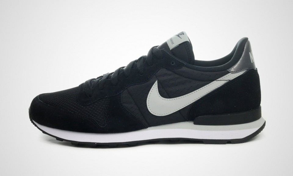 Nike Internationalist Sneakers Pour Homme Noir Blanc 631754-010