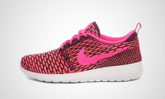 Nike Roshe One Flyknit Femme Sneakers Noir/Pow Rose/Orange Totale 704927 004