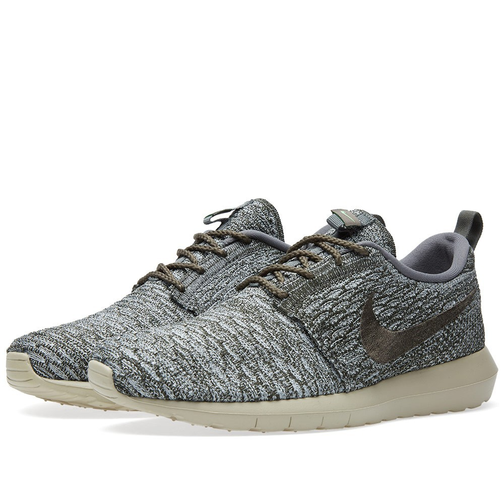 newest collection b0f11 0f3a7 Homme Nike Roshe Run Flyknit Trainers Loup Gris Sequoia 677243-007 ...