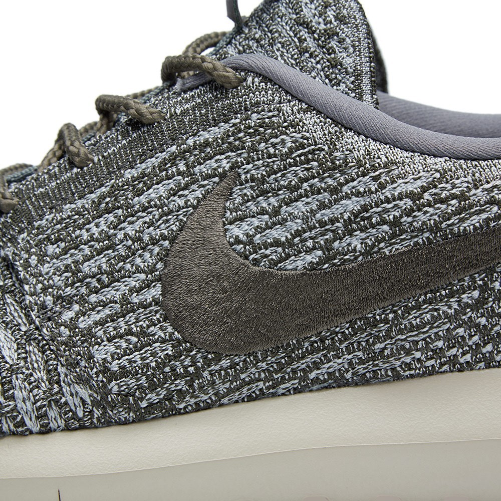 Homme Nike Roshe Run Flyknit Trainers Loup Gris/Sequoia 677243-007
